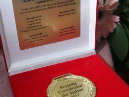 Câmara homenageia professores com a medalha Construtor do Saber