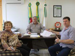 Administração realizará terraplanagem em terreno da Cooperativa dos Caminhoneiros
