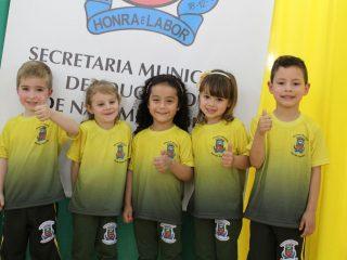 Administração já distribuiu mais de 7 mil peças do Uniforme Escolar