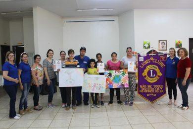 """Lions Clube de Não-Me-Toque entrega premiação do concurso """"Cartaz da Paz"""""""