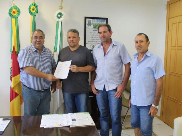Prefeito Municipal atende moradores do Bairro Solano
