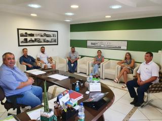Administração e Acint reúnem-se para debater acerca da situação econômica do Município