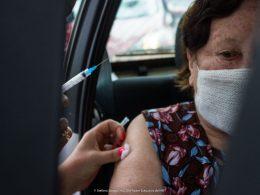 Vacinação contra a covid em idosos tem sequência nesta sexta-feira